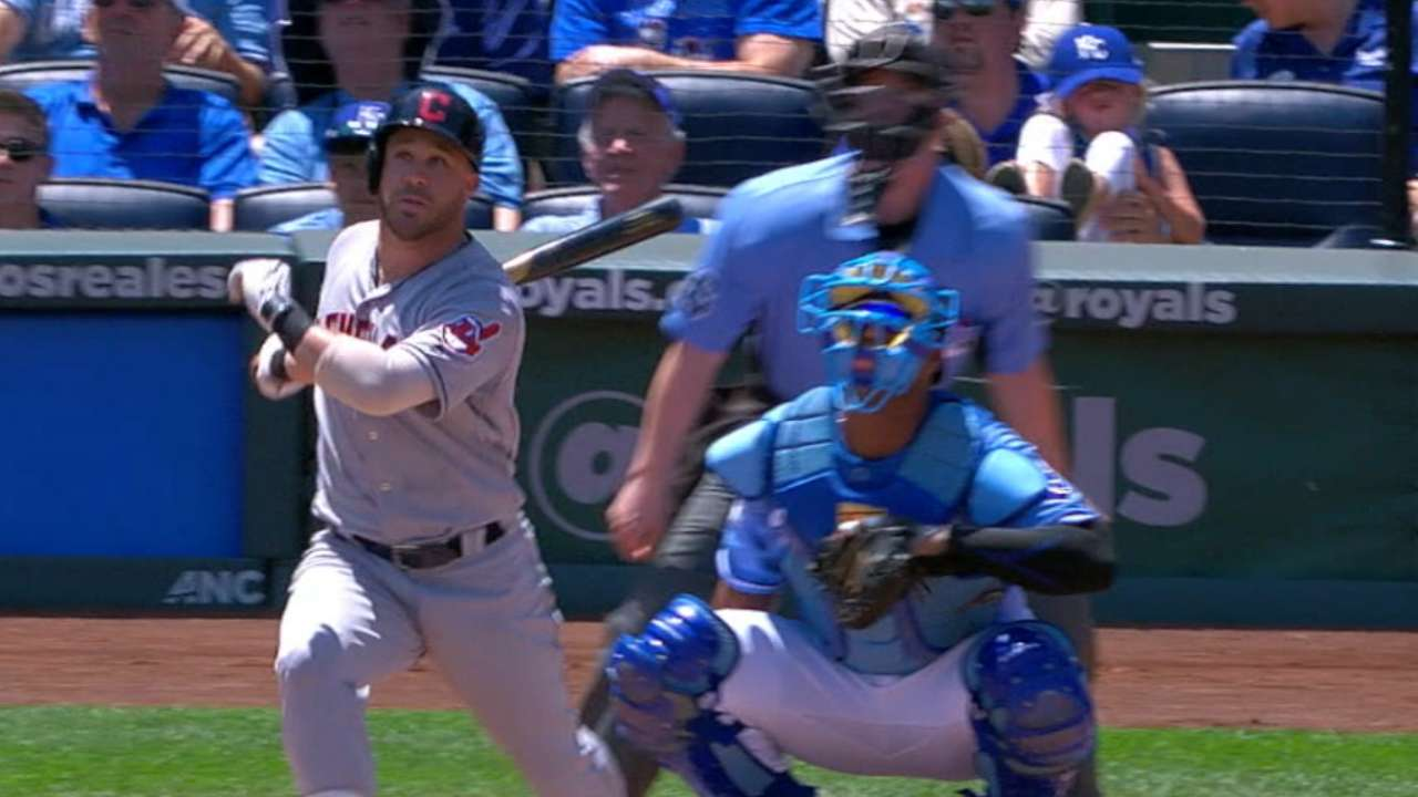 Tribe's 5 HRs bounce Royals in rubber game