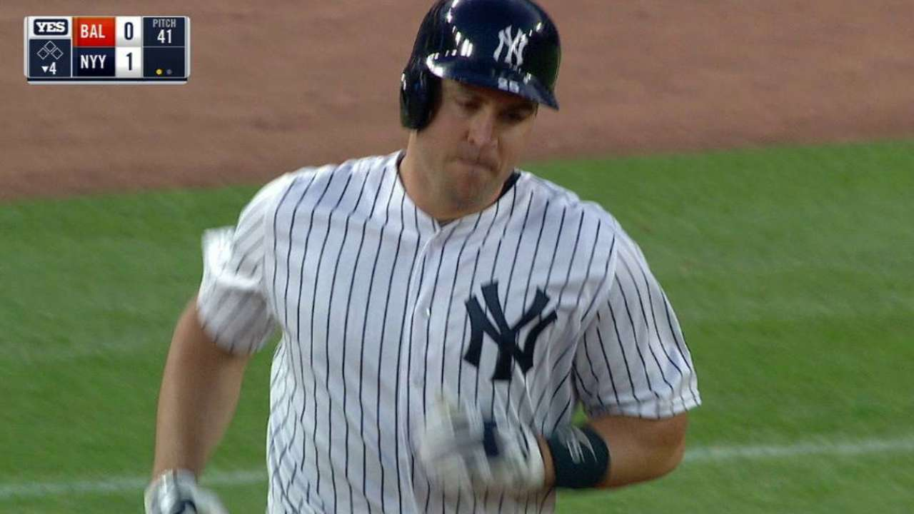 Teixeira's solo homer in the 4th