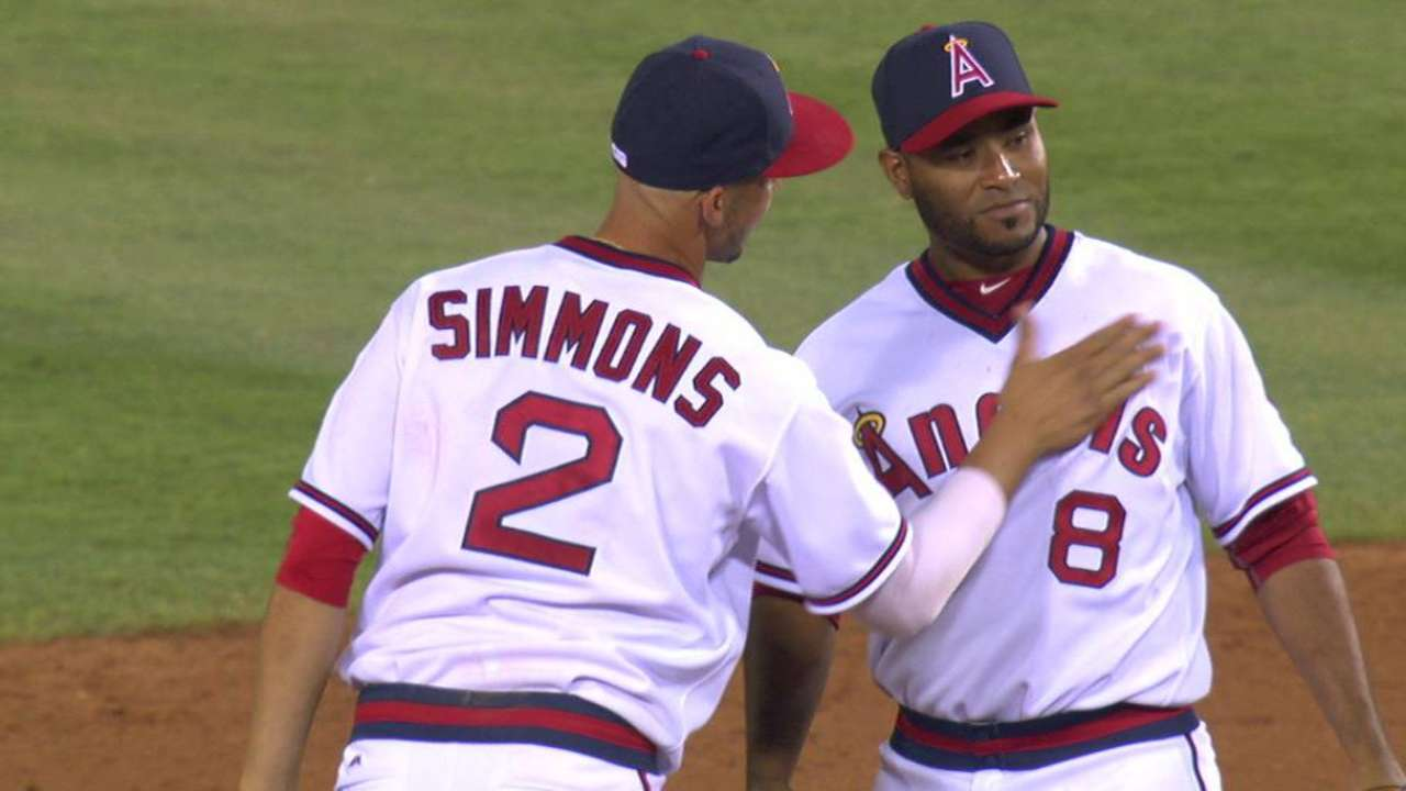 Street secures Angels' 7-4 win