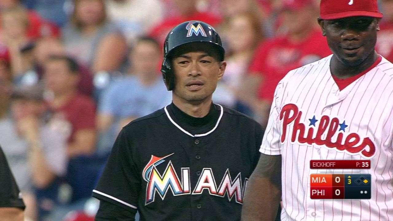 Ichiro records 2 hits, pulls within 4 of 3,000