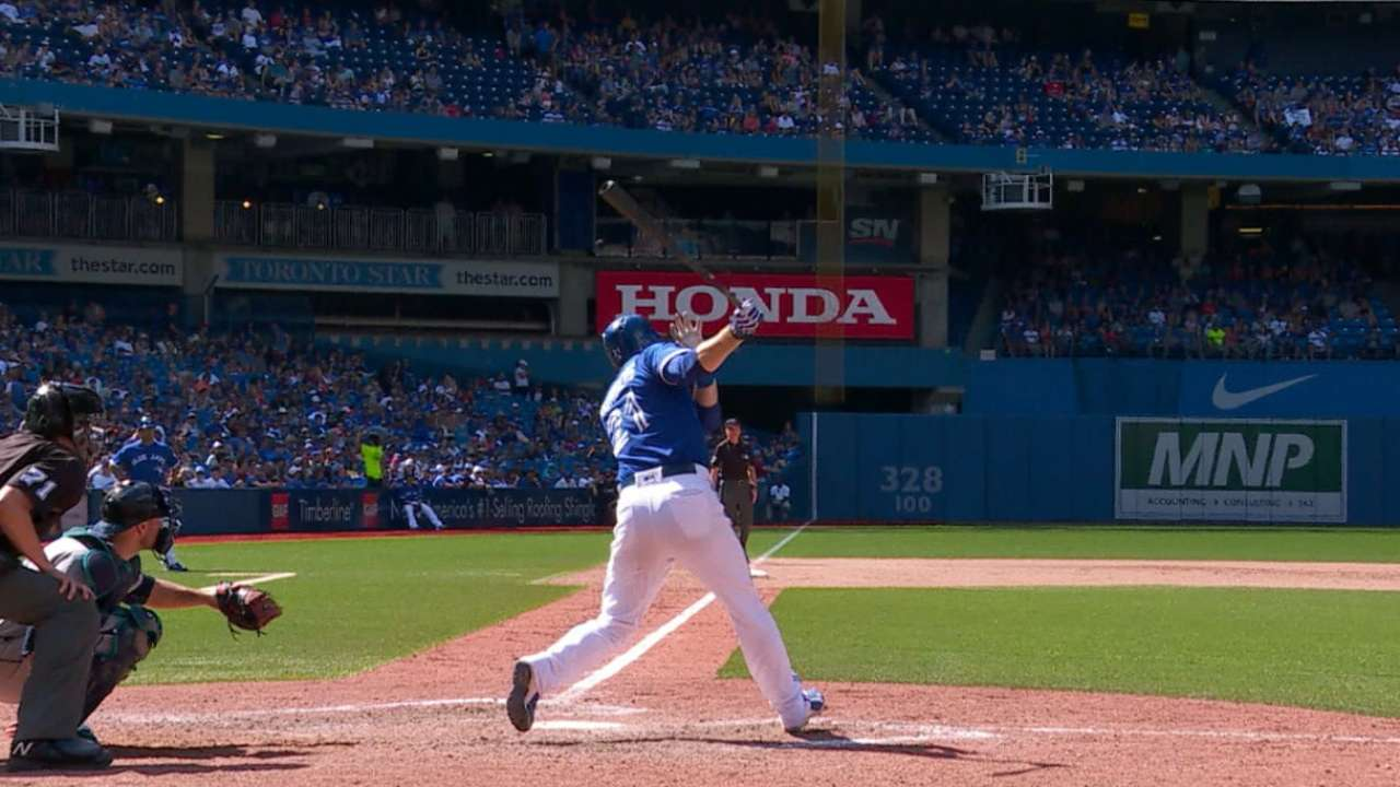 Saunders' two-homer day