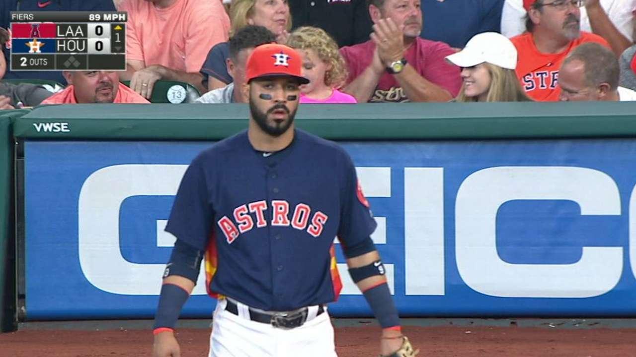 Gonzalez's smooth catch