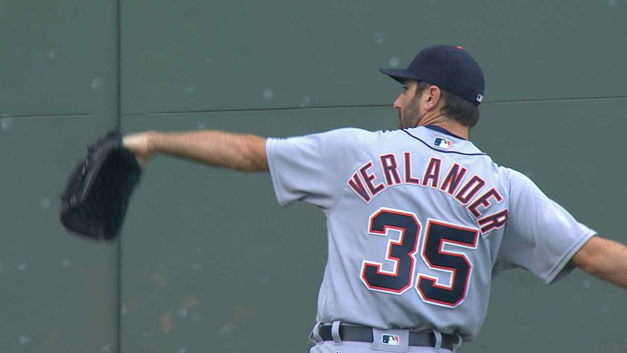 Verlander holds Sox to one run