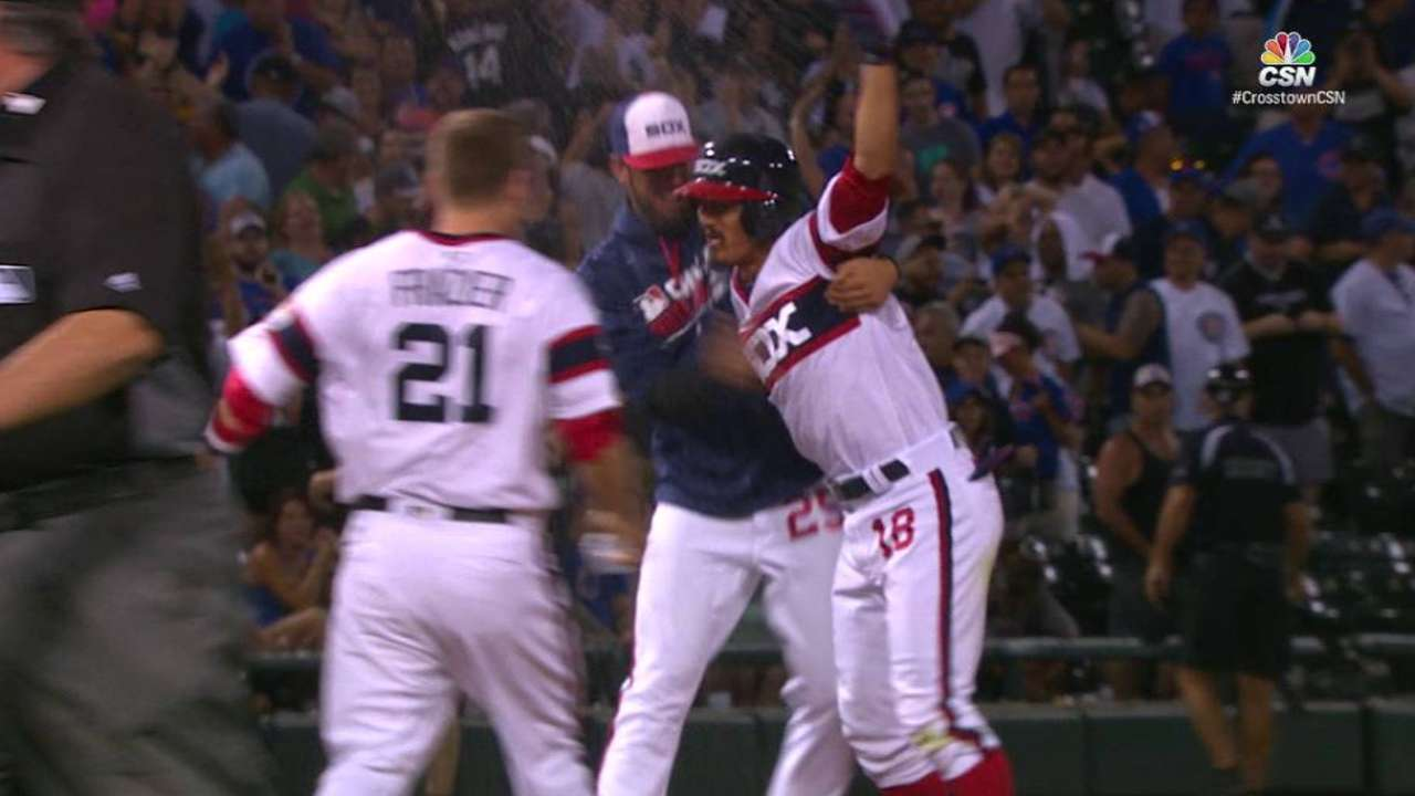 White Sox answer Cubs' rally with walk-off