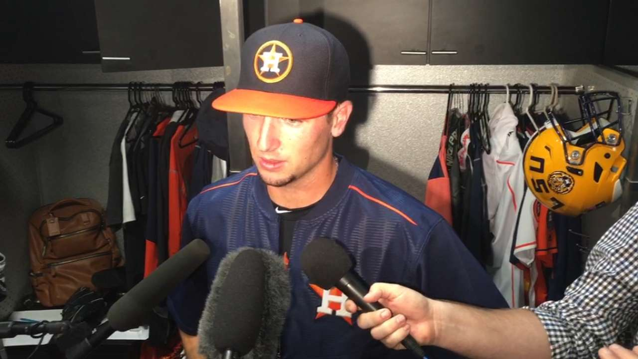 Bregman gets crash course in LF at Minute Maid