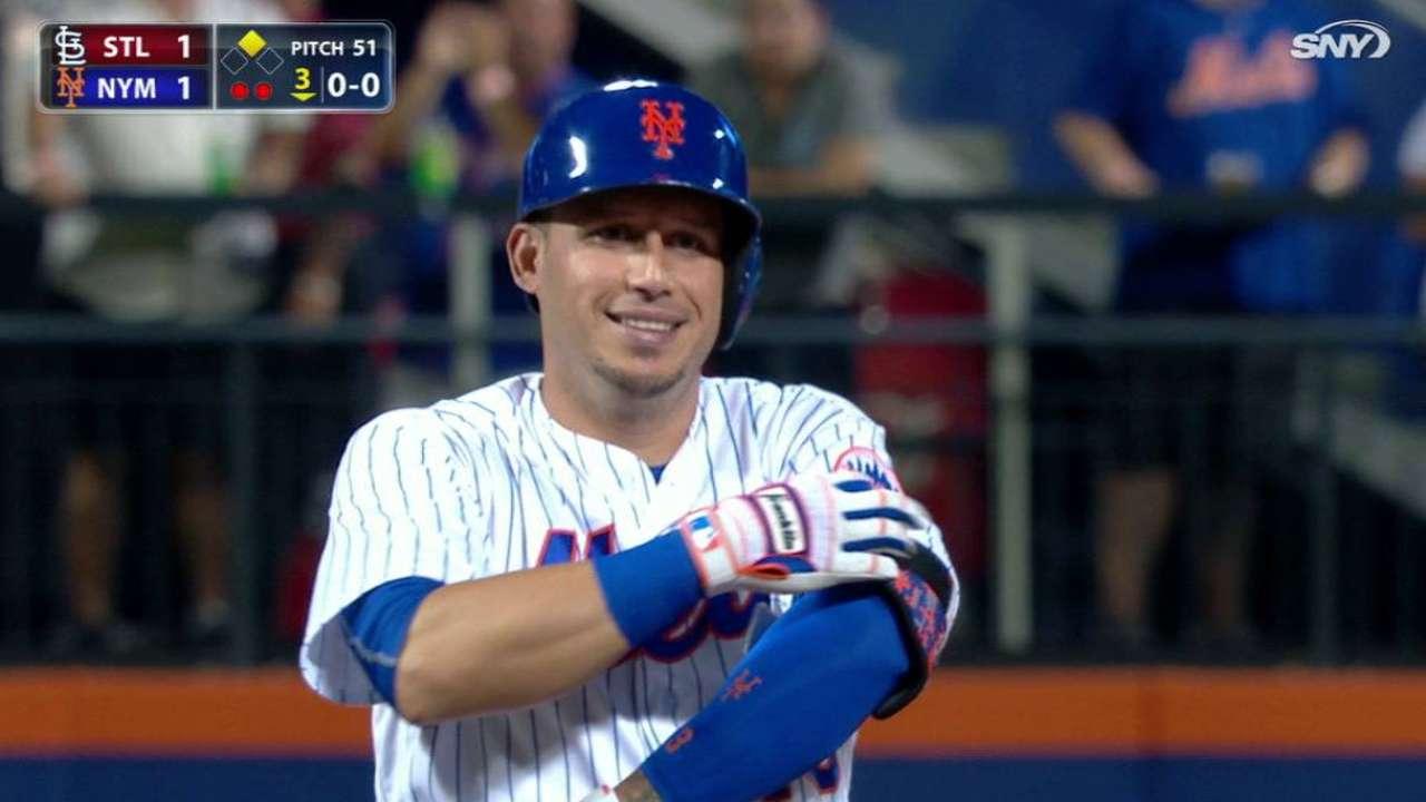 Mets turn tables on Cards to earn split of twin bill