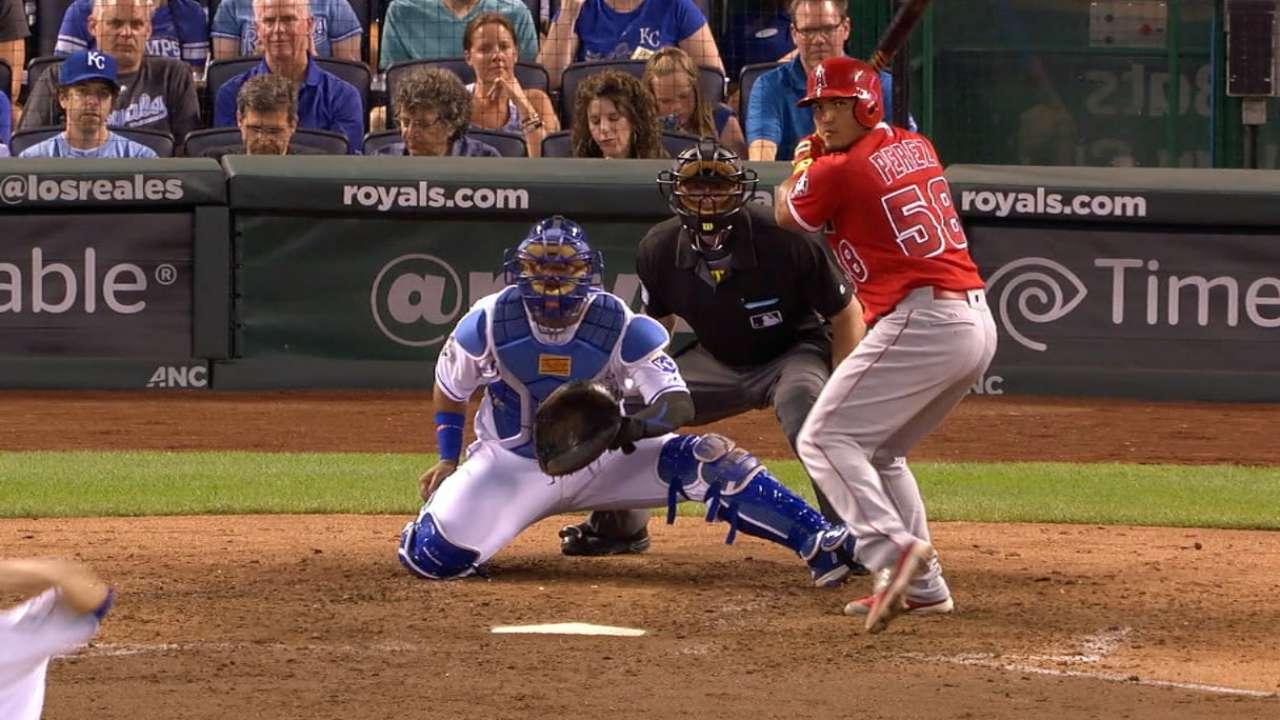 Perez's four-hit game