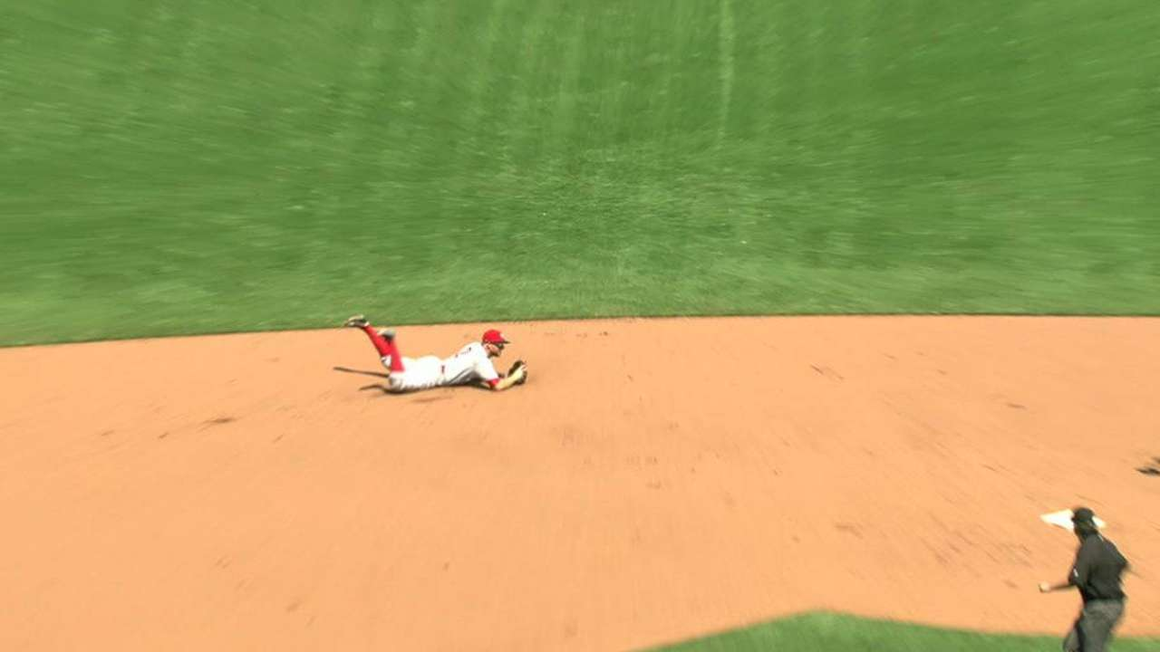 Cozart's diving play