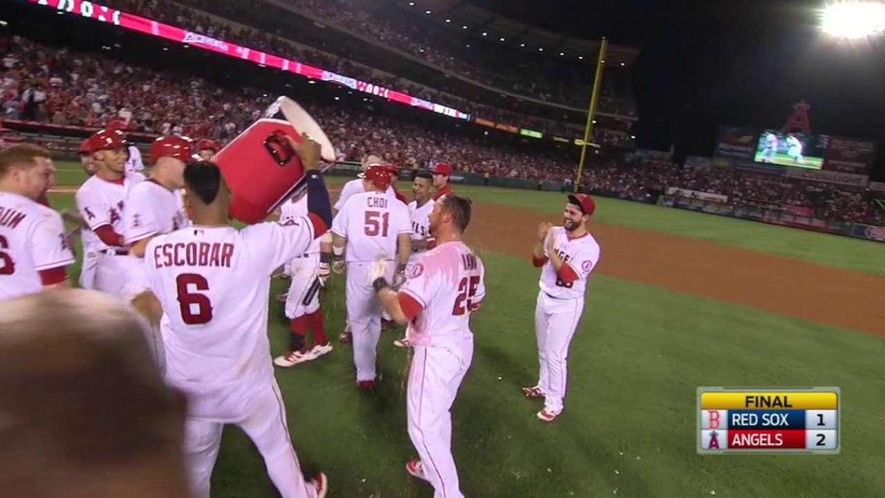 Angels Walk Off With 2 Runs on Ramirez's Error, Beat Sox 2-1