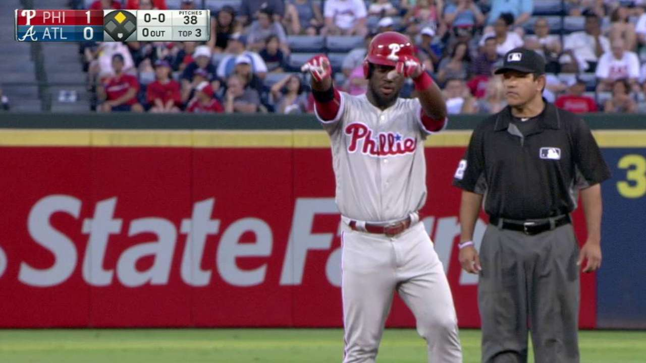 Phils can't deliver offense in tough loss