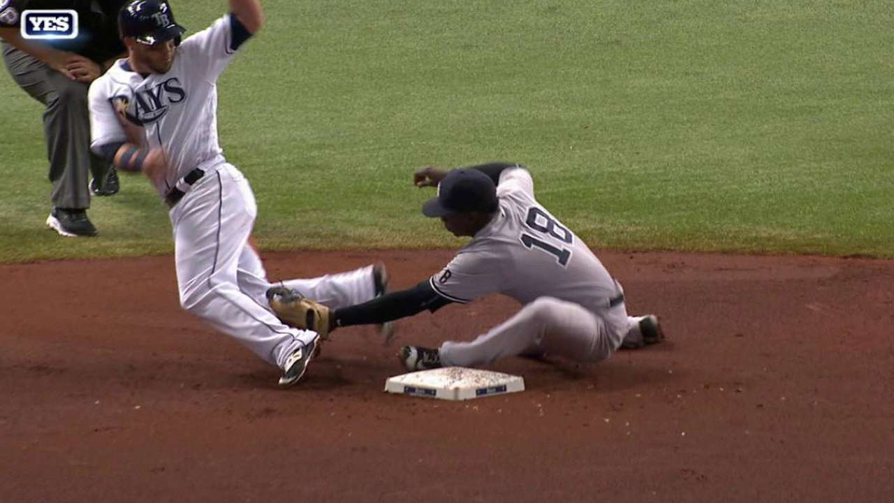 Romine throws out Pearce