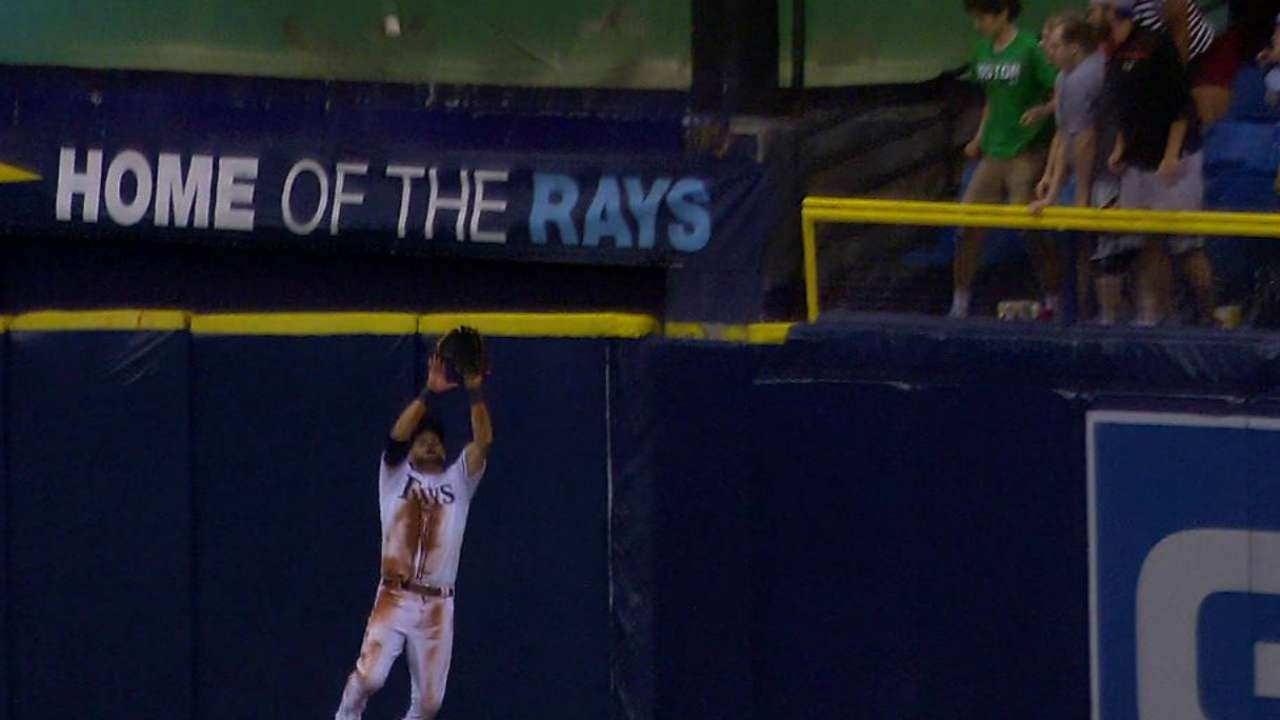 Kiermaier's awesome leaping grab