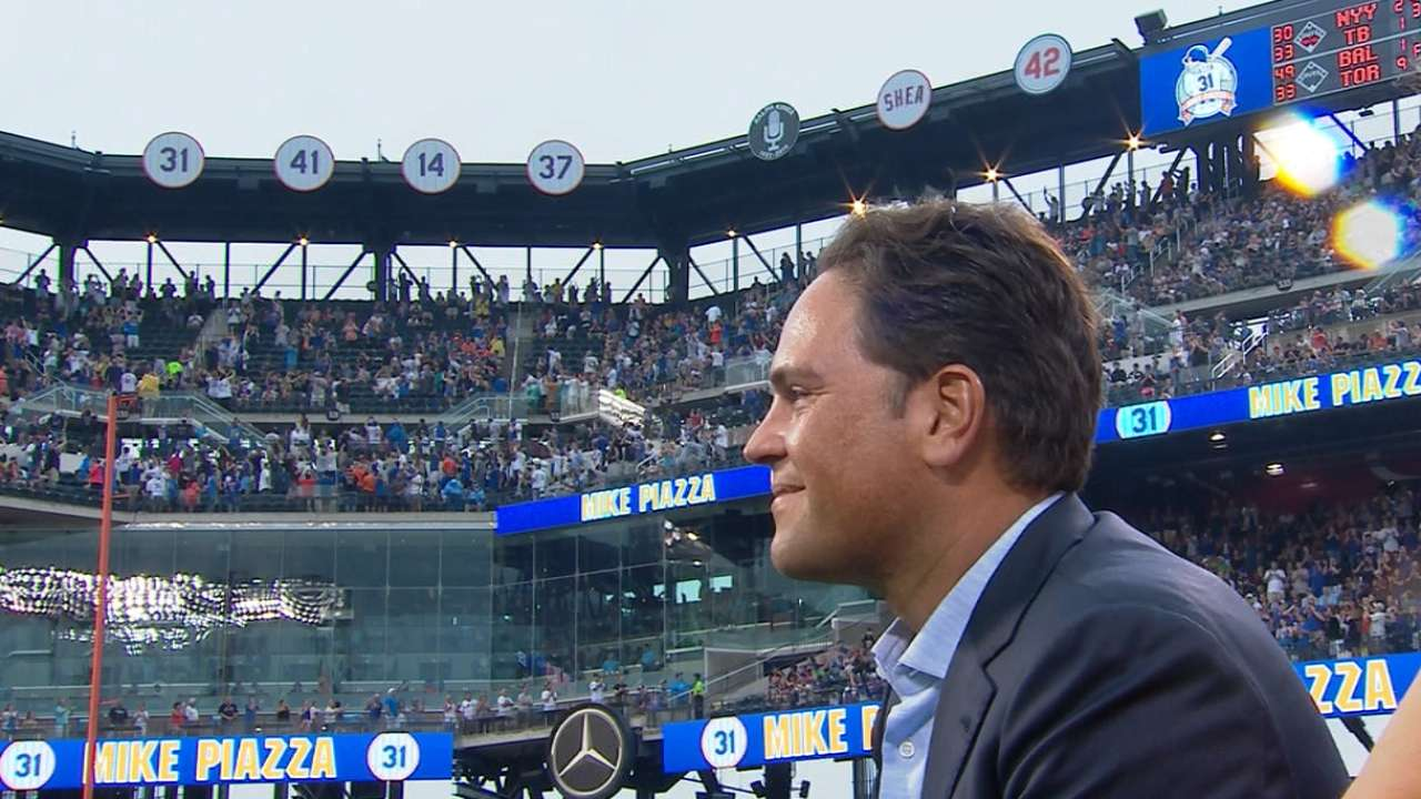 Piazza's number retired by Mets