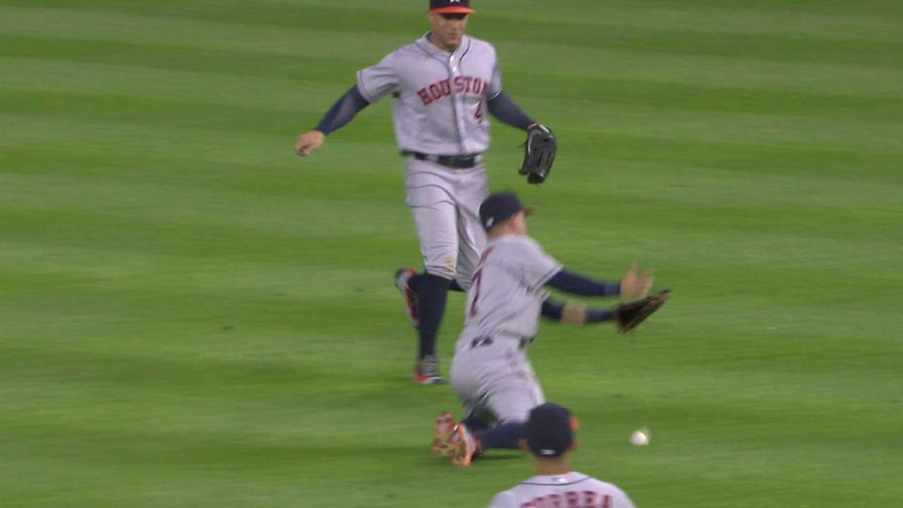 Altuve can't handle popup