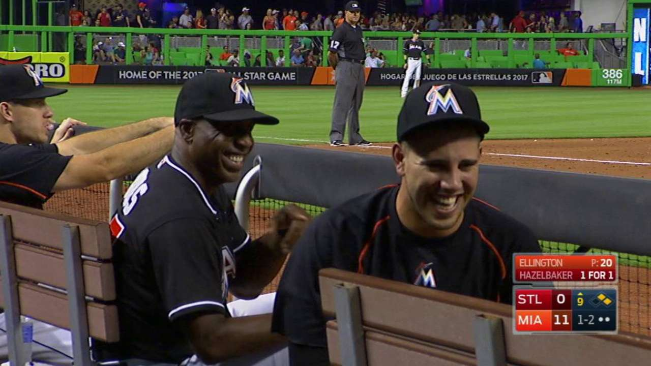 Fernandez and Bonds joke around