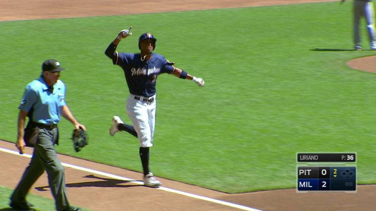 Broxton's solo home run