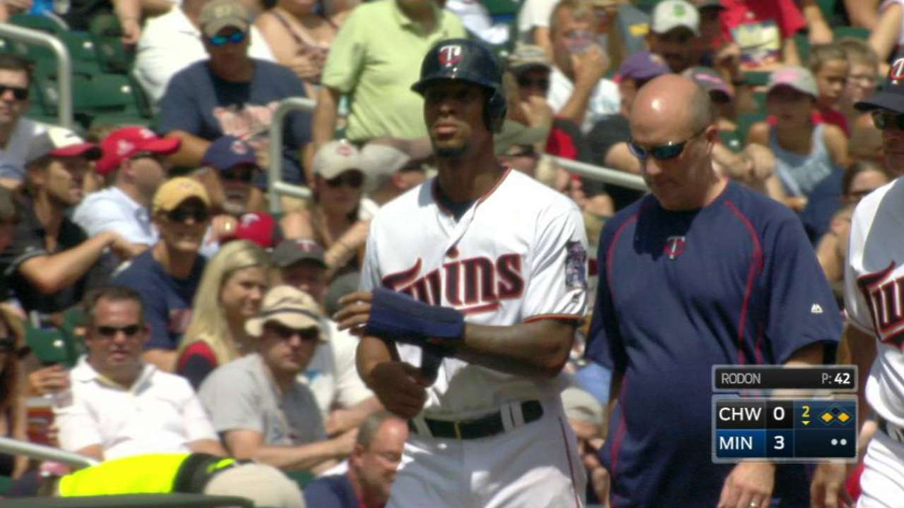 Buxton to have MRI on sore right knee