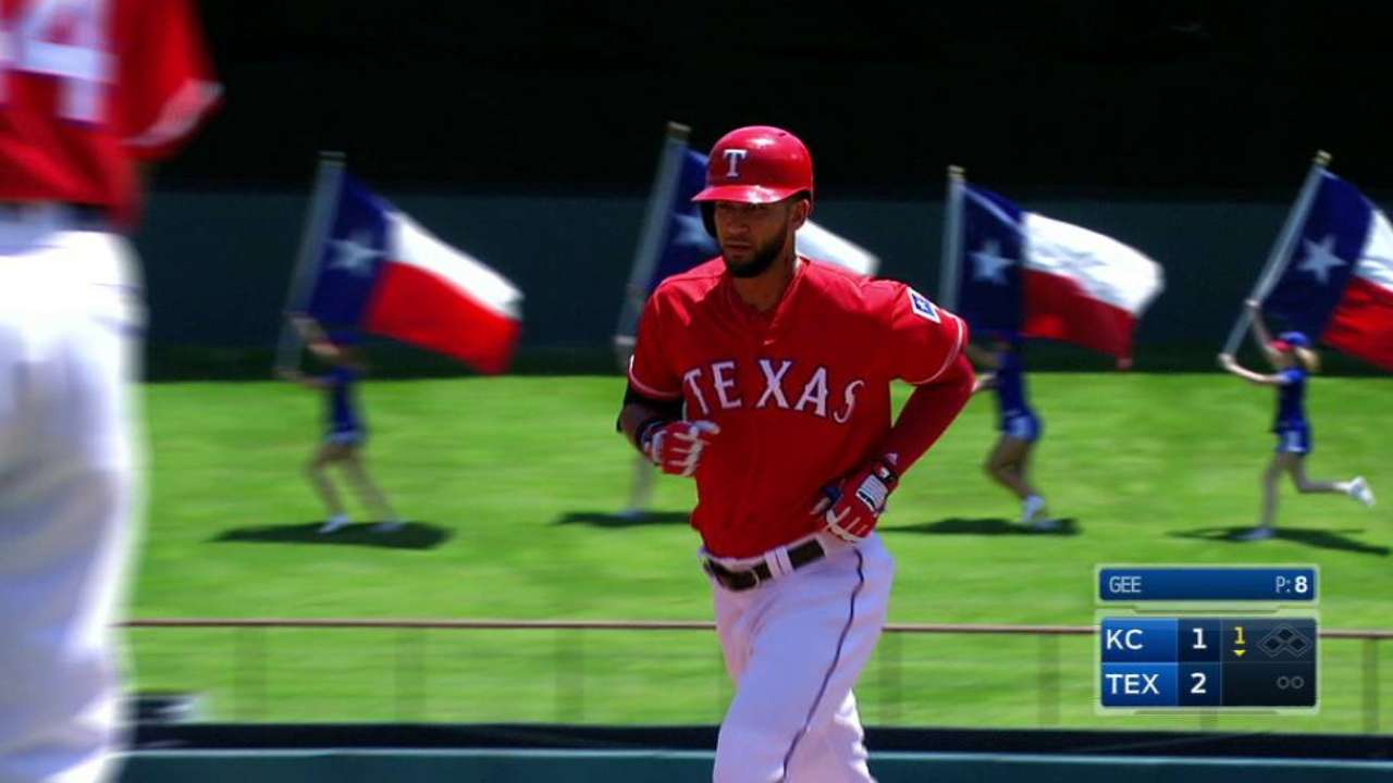 Rangers cap tough July with sweep of Royals