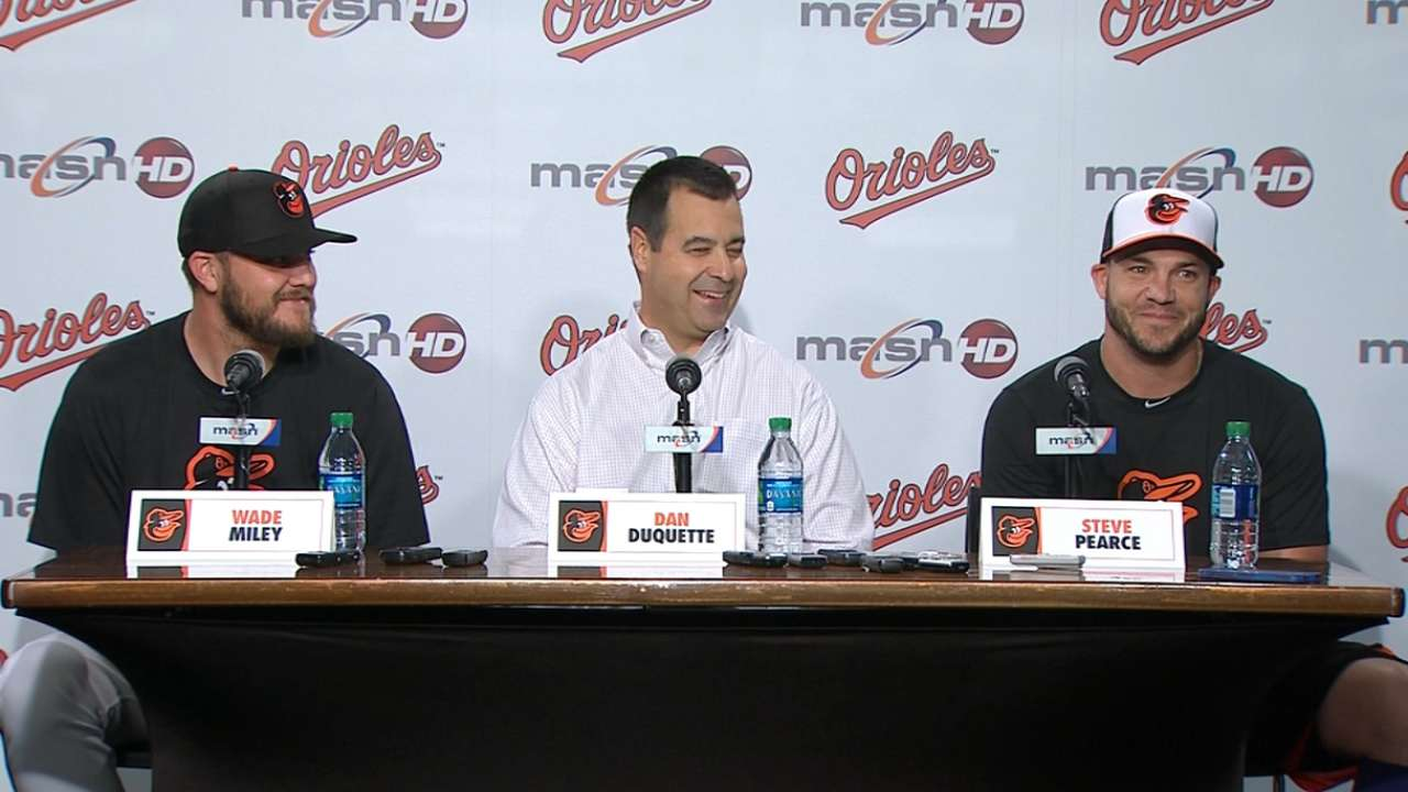 Orioles welcome Miley and Pearce