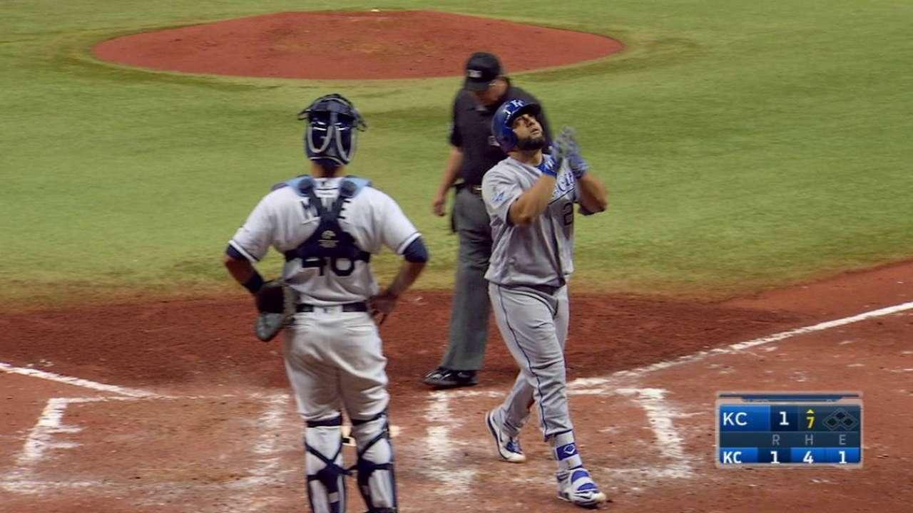 Morales' go-ahead homer
