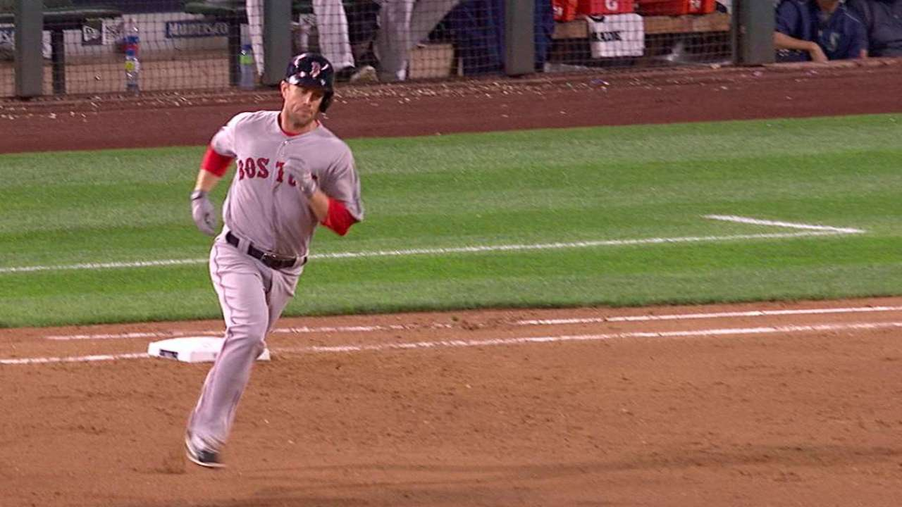 Hill's first Red Sox homer