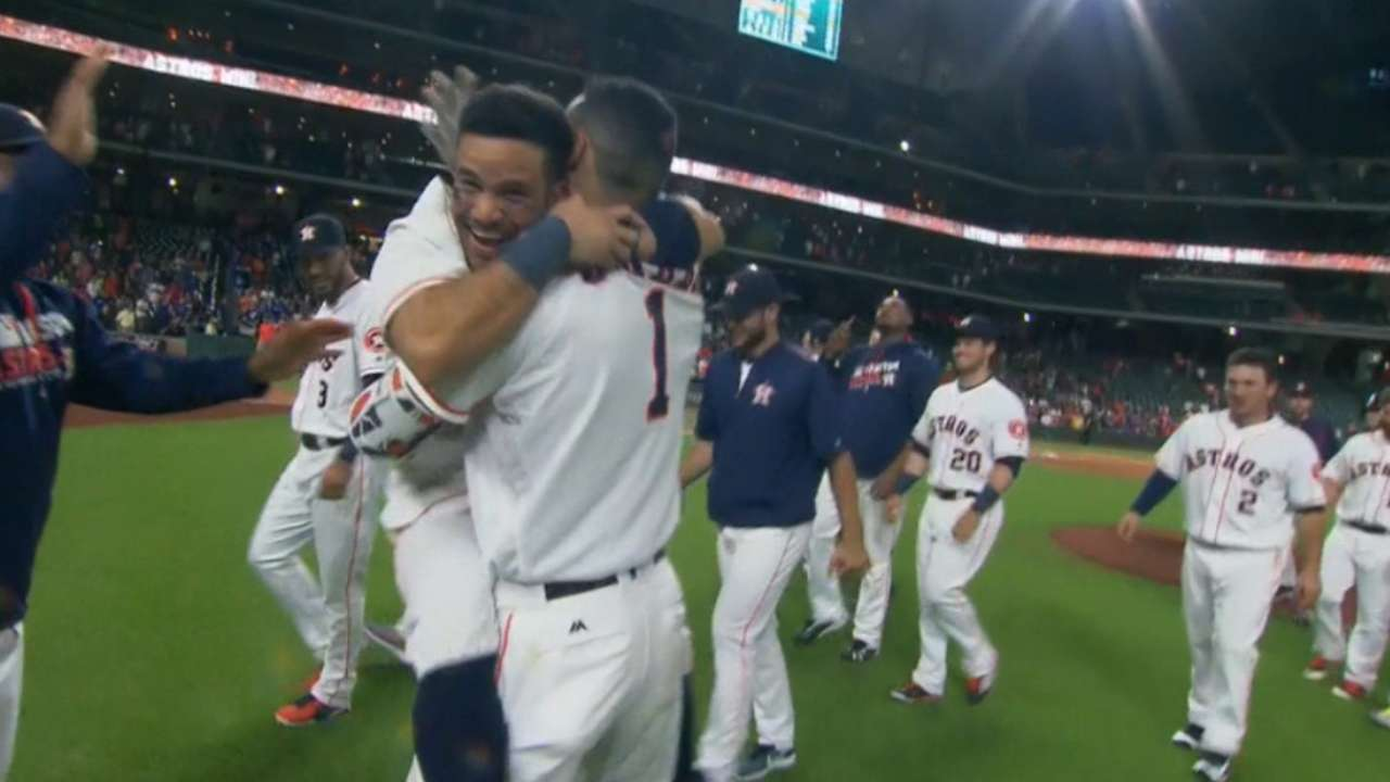 Astros pounce on Feldman in 14th to end duel