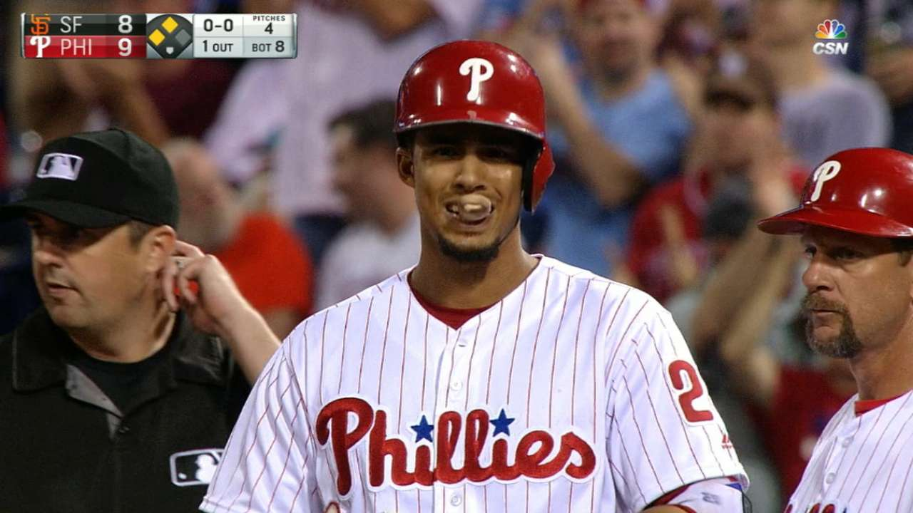 Phillies answer Giants' surge with big 8th in win
