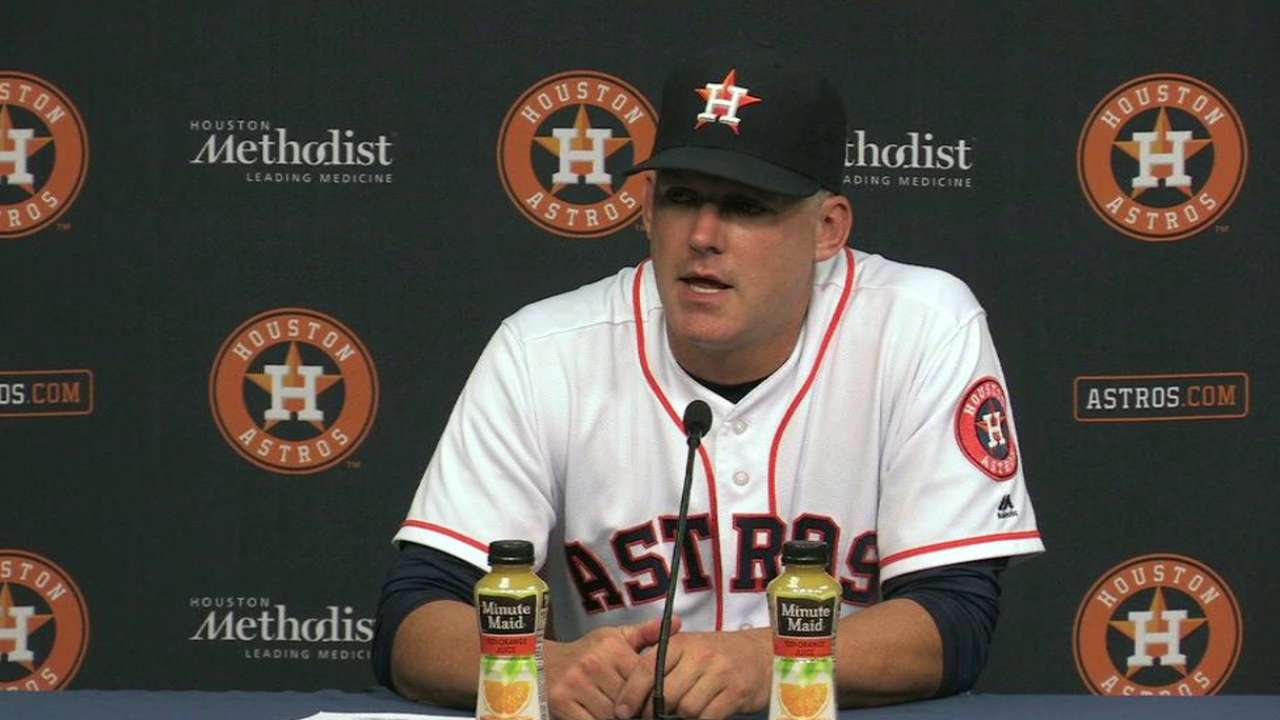 Hinch names Giles as Astros' new closer