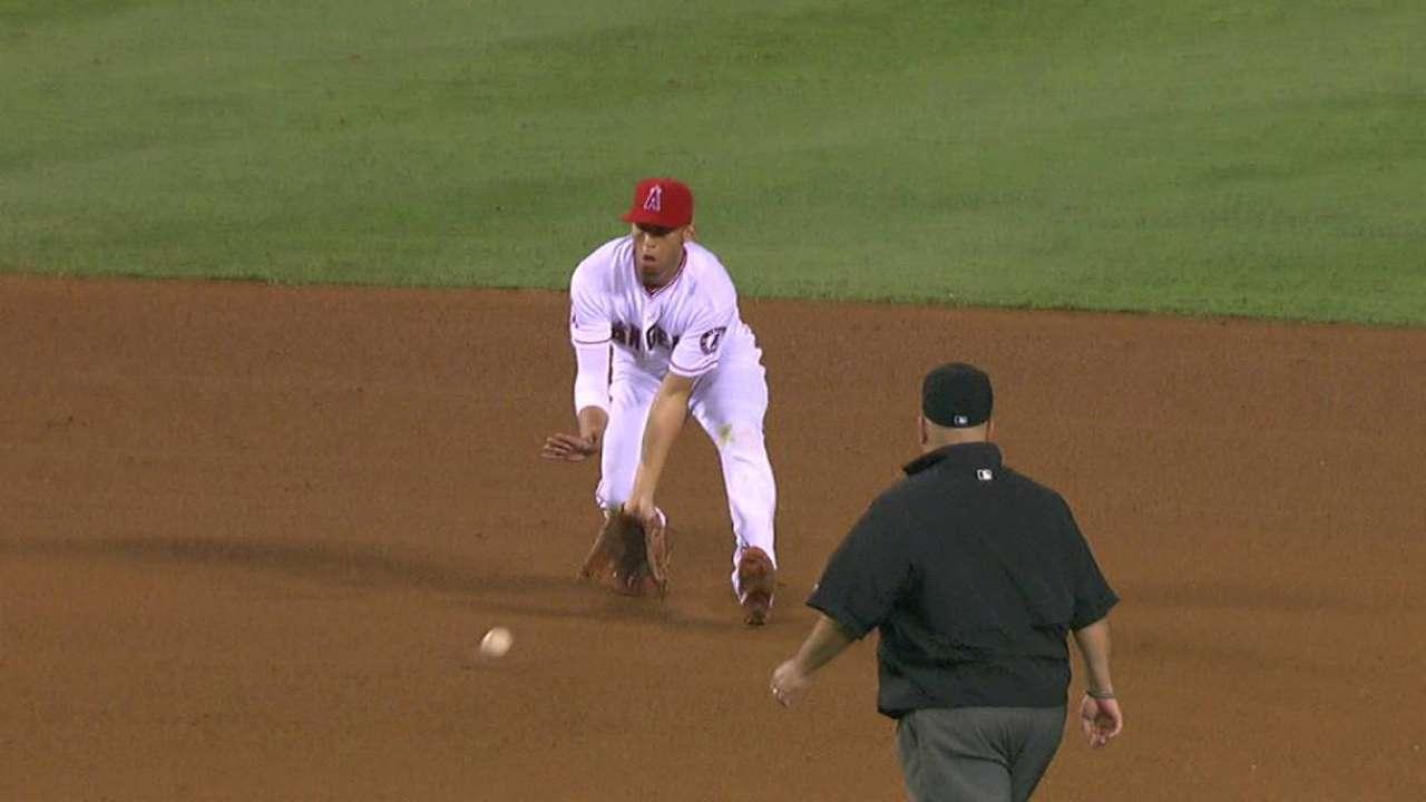 Simmons handles tough hop for DP
