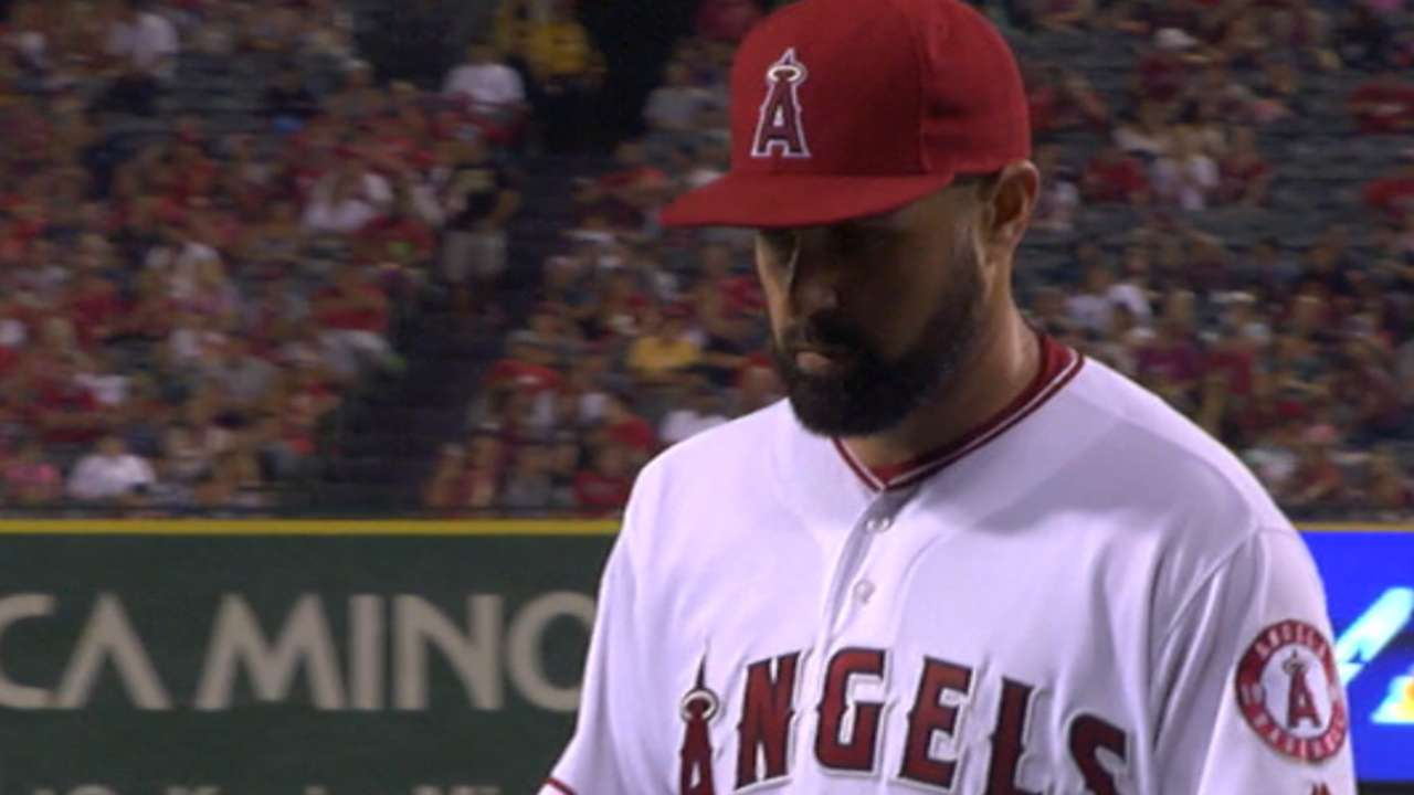 Shoemaker's strong home outing