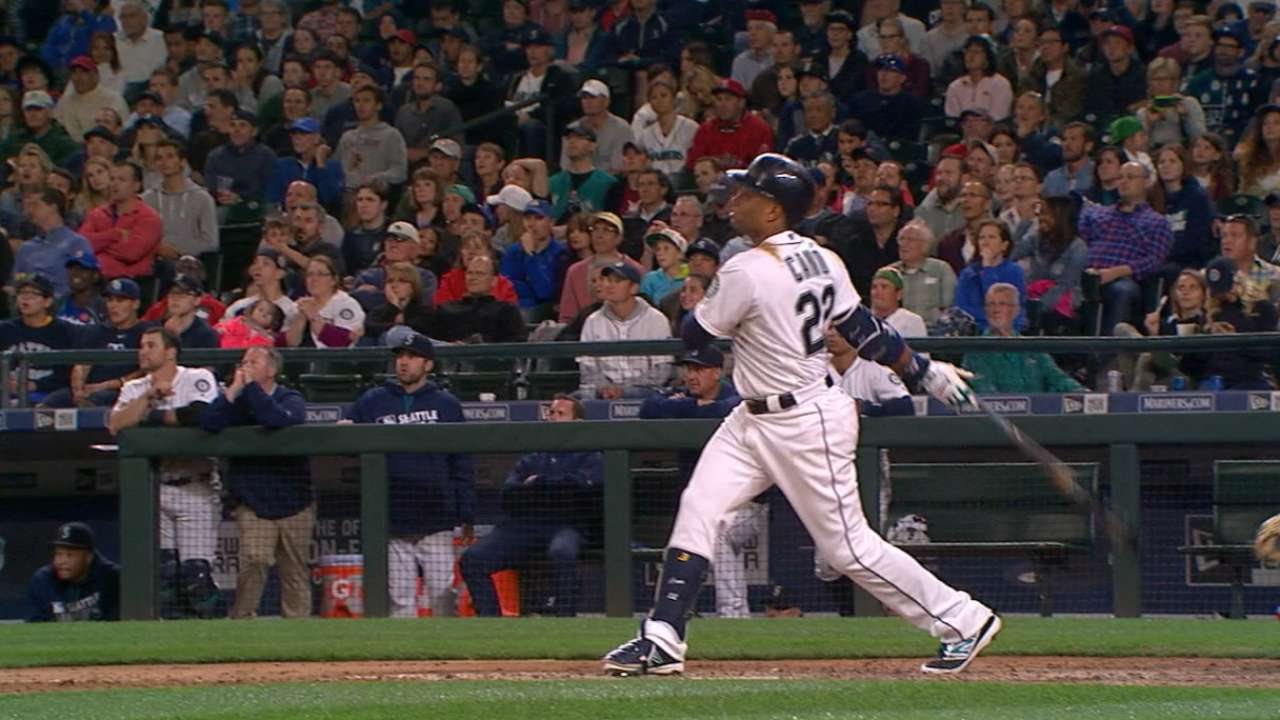 Seattle stings Price, stuns Sox in 5-run 8th