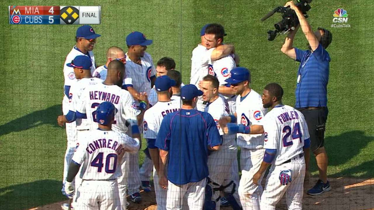 Cubs win on wild pitch in 9th