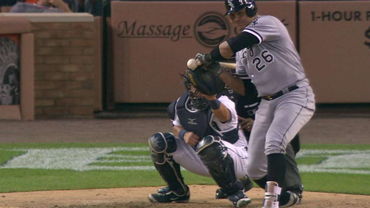 White Sox challenge foul call