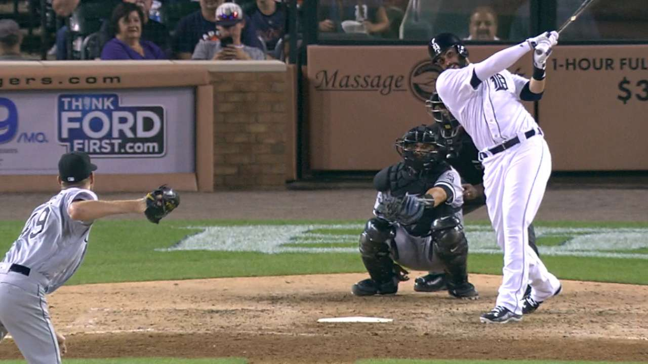 Martinez's go-ahead home run