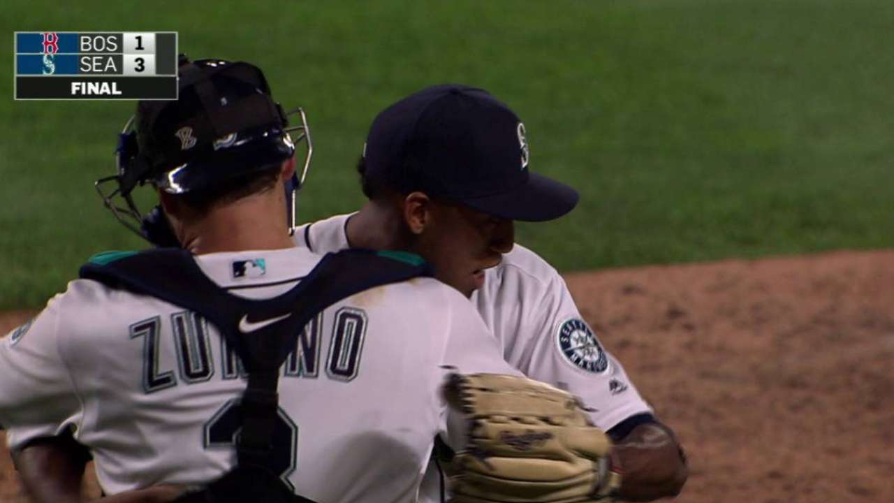 Young Mariners have enthusiastic leader in Cano