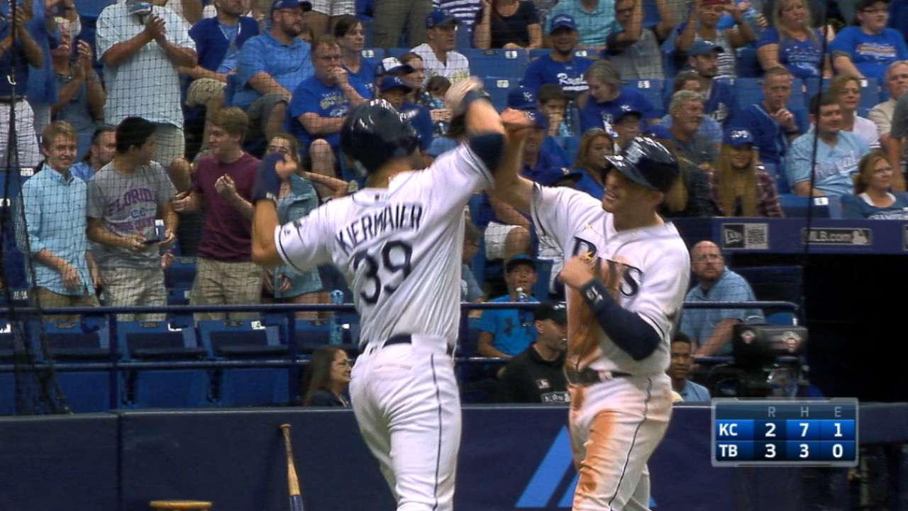 Miller's go-ahead three-run jack