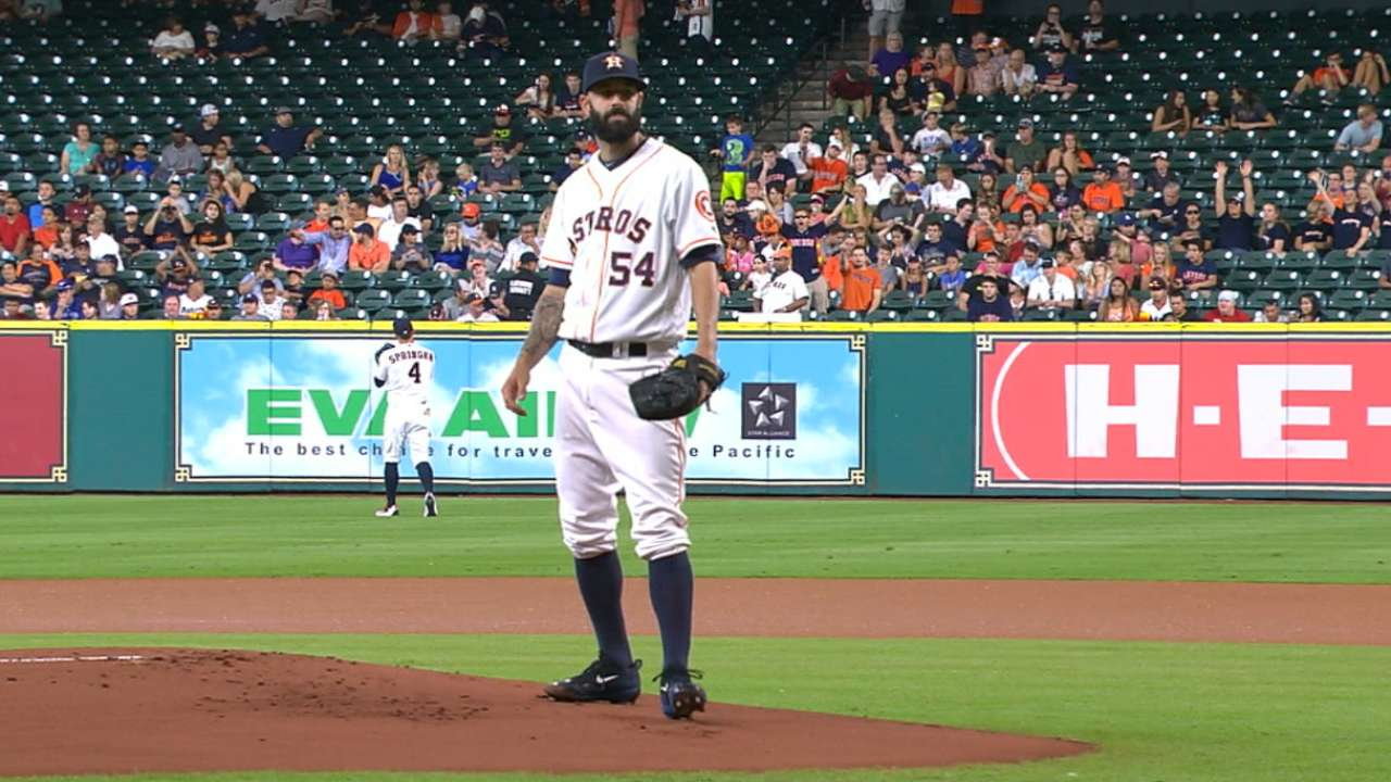 Astros unable to find spark behind Fiers