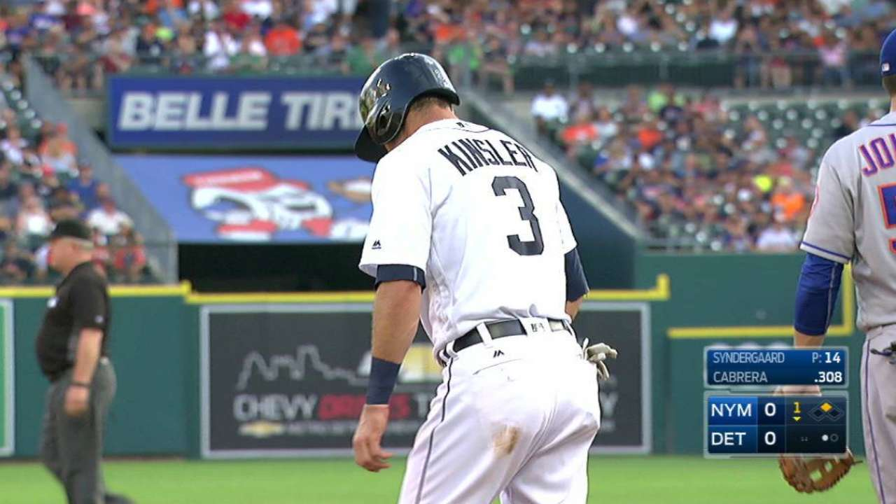 Kinsler swipes third base