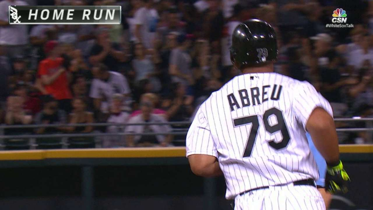 After long wait, Abreu enjoys reunion with son