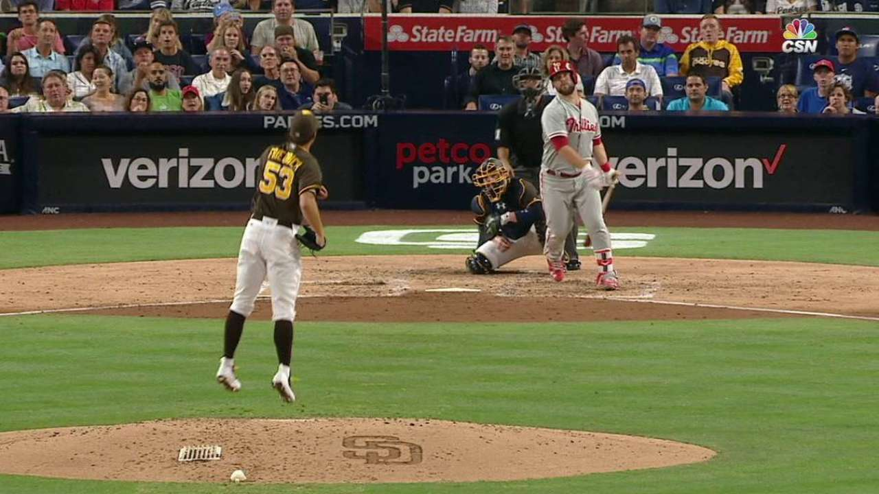 Palm ball: Red-hot Rupp homers into tree