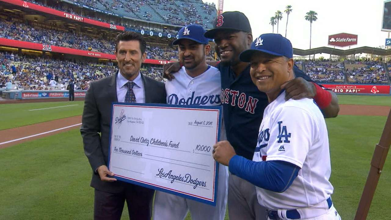Dodgers, Scully honor Big Papi