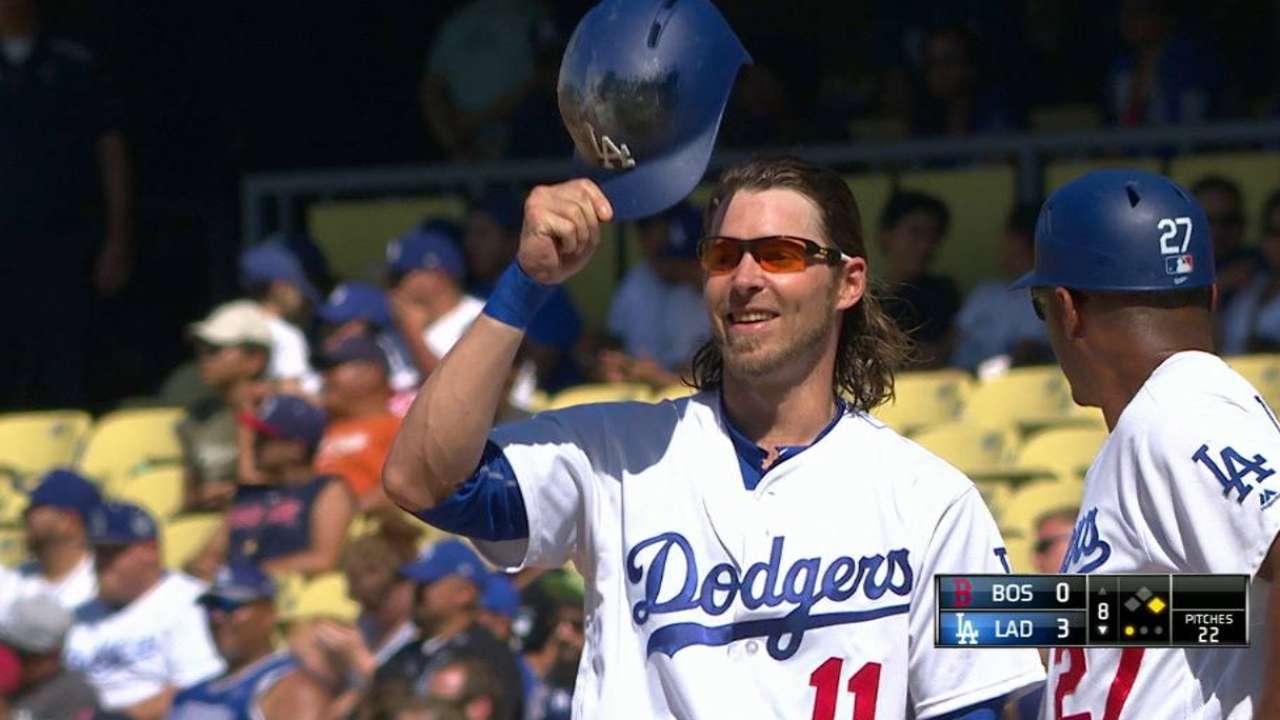 Reddick's first Dodgers hit