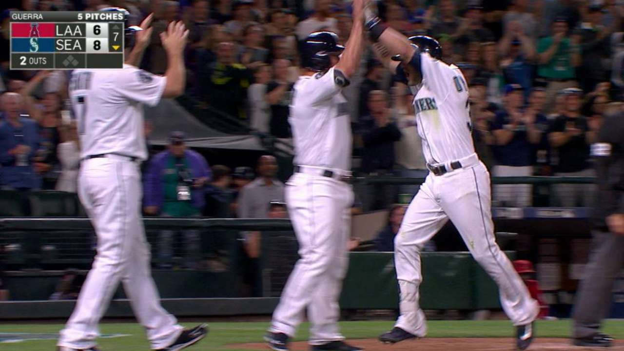 Oh my, O'Malley! 3-run HR caps Seattle rally