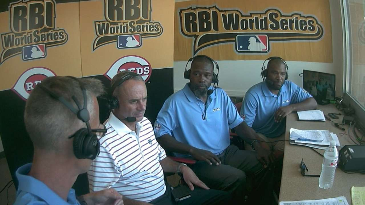 Manfred touts youth initiatives at RBI World Series