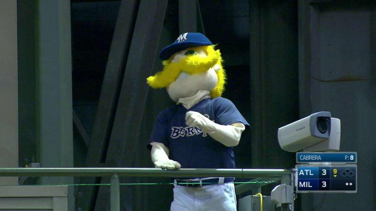 Carter just misses a homer