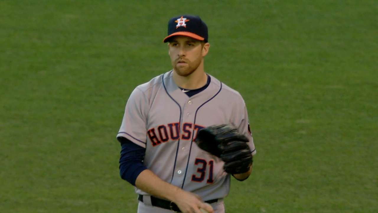 Astros tripped up in opener at Minnesota