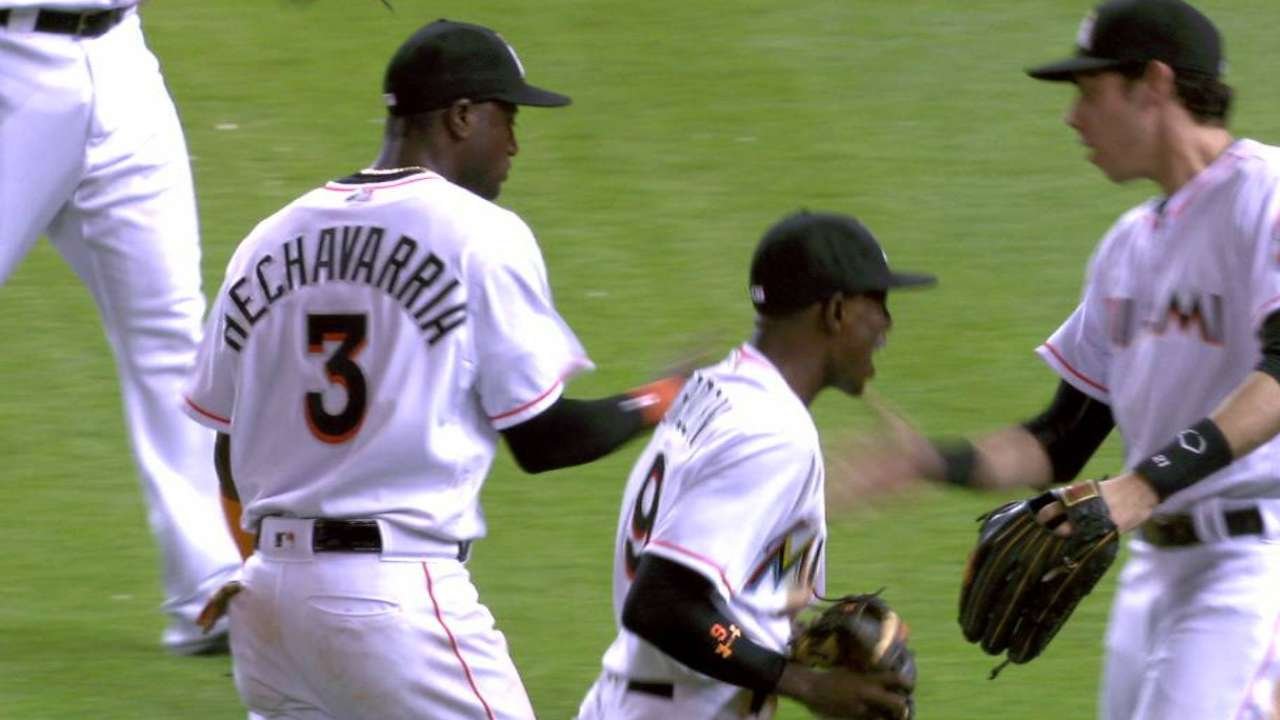 Hechavarria's diving play