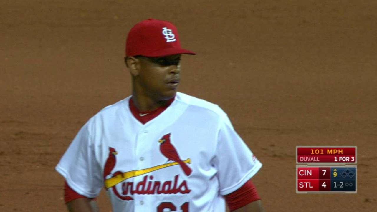 Reyes hits 101 mph in MLB debut