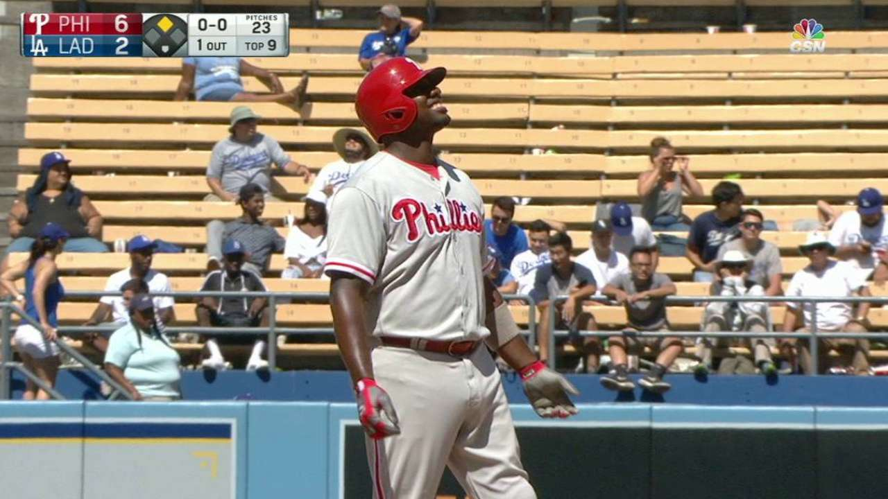 Galvis, Howard fuel Phils as LA falls from 1st