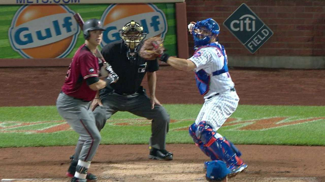 d'Arnaud throws out Goldy